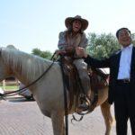 Mayor Mori with cowgirl